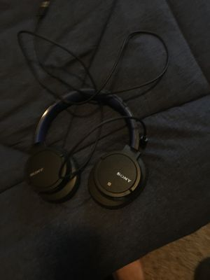Wireless Sony headphones with charger for Sale in Modesto, CA