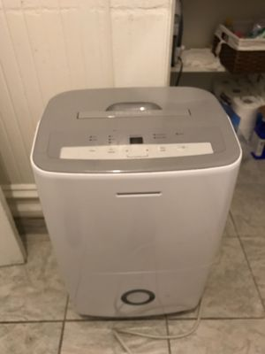 Frigidaire 70 Pint Dehumidifier for Sale for Sale in San Francisco, CA