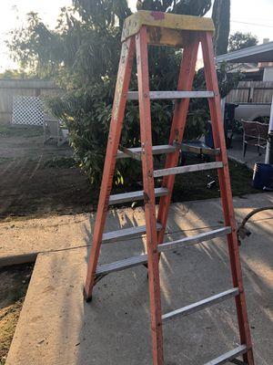 Escalera de 6 pies for Sale in Reedley, CA