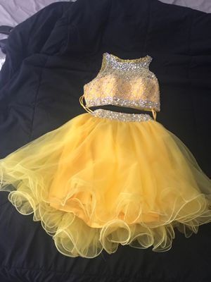 2-piece prom dress, yellow for Sale in Suitland, MD