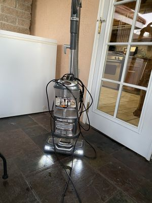Shark Vacuum cleaner for Sale in Parlier, CA