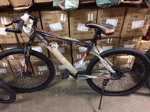 """29"""" Mountain Bike Brand New. 21 Speed With 2 Disc Brakes And Front Fork Suspension. 29"""" Bicycle for Sale in Los Angeles, CA"""