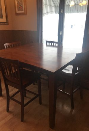 Dining bar style table with 6 chairs for Sale in Richardton, ND