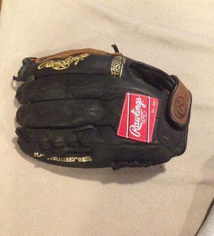 Men's baseball glove for Sale in Warren, MI