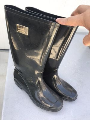 Women's rain boots size 9. Used them once. for Sale in Santa Ana, CA