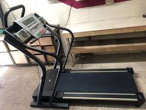 NordicTrack C2300 treadmill for Sale in Auburn, WA