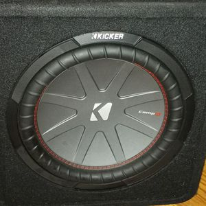 """KICKER 12"""" COMP R PORTED SUBWOOFER AND BOX!! for Sale in Springfield, VA"""
