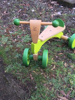 HAPE SCOOT AROUND FOR TODDLER for Sale in Portland,  OR