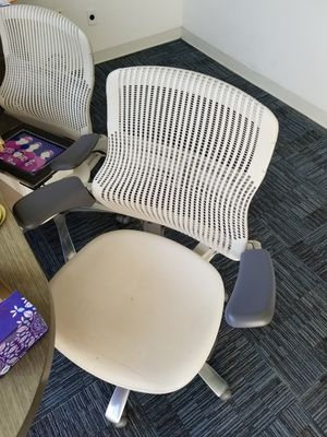 MODERN COMPUTER OFFICE CHAIRS for Sale in Los Angeles, CA