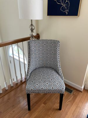 Accent chair for Sale in Leesburg, VA