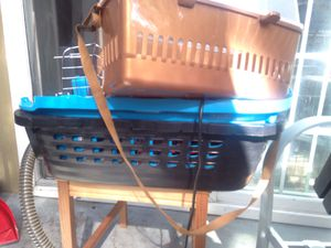 Dog or cat travel kennel for Sale in Imperial Beach, CA