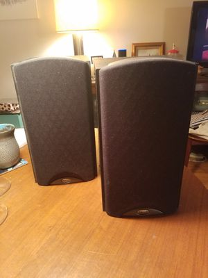 Pair of Klipsch Bookcase Speakers for Sale in New York, NY