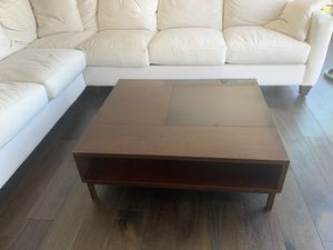 "Wooden Coffee Table (40"" x 30"" x 16"") for Sale in Los Angeles, CA"