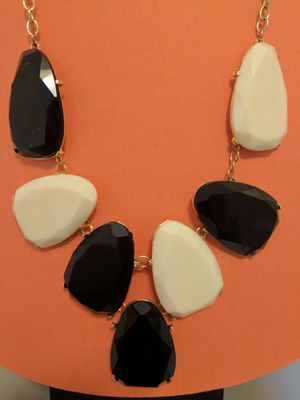 Black & white necklace for Sale in Rockville, MD