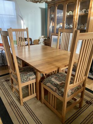 Sticky Mission Style Solid Oak Dining Table for Sale in Henderson, NV