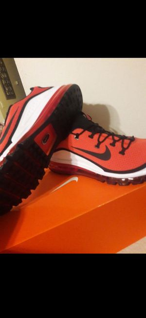 NIKE MAX SIZE 7.5...9....10.....FOR MEN for Sale in Highland, CA