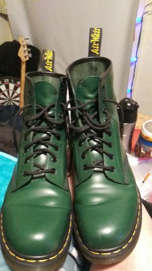 Green 1460 Dr. Martins smooth leather mens sz. 11 boot (brand new) for Sale in San Francisco, CA