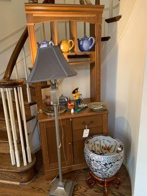 Rustic Antiques & Vintage Decorations Estate Sale TODAY for Sale in Oakton, VA