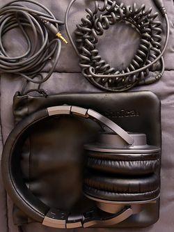 Audio Technica ATH-M40x Studio Headphones for Sale in Pasadena,  CA