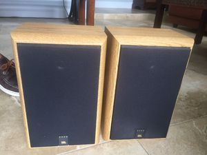 (2) JBL 2500 2-Way Bookshelf Speakers....Mint! for Sale in Miami, FL