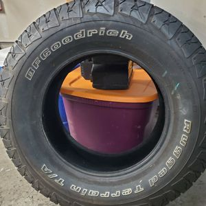 Free Tire BF Goodrich 265/70/R17 for Sale in Kent, WA