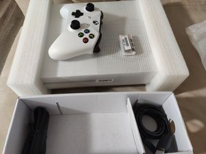 Xbox one 1tb never used for Sale in Miami, FL