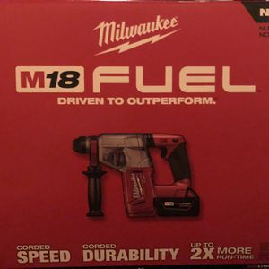 """Milwaukee 2712-22 M18 Fuel 1"""" SDS Plus Rotary Hammer Kit for Sale in Haverhill, MA"""