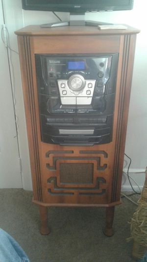 Vintage Looking stereo system with turntable. for Sale in Philadelphia, PA
