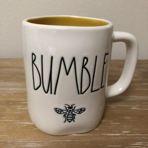 Rae Dunn Bumble Bee Mug for Sale in Snohomish, WA
