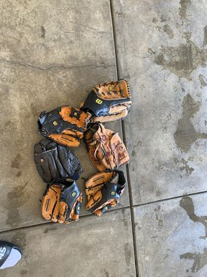 Baseball gloves for Sale in Pumpkin Center, CA