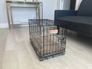 Small Dog Crate w/ Bed Insert for Sale in Phoenix, AZ