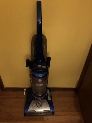 Vacuum Hoover no damage for Sale in Bloomingdale, IL
