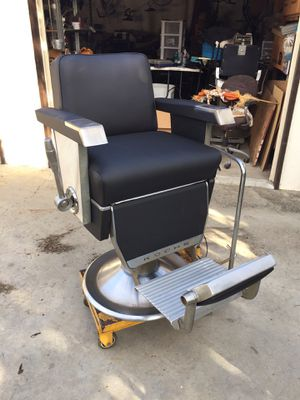 Barber chair for Sale in Downey, CA