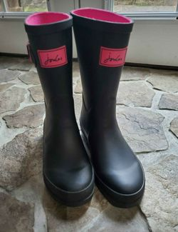 Joules Black & Pink Girls Rain Boots for Sale in Philadelphia,  PA