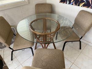 Island Style Dining Set for Sale in Honolulu, HI