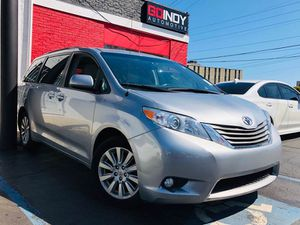 2013 Toyota Sienna for Sale in Indianapolis, IN