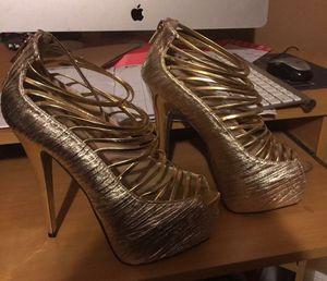 Gold heels Sz: 10 for Sale in Lakeland, FL
