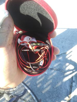 Selling earbuds for Sale in Fort Lauderdale, FL
