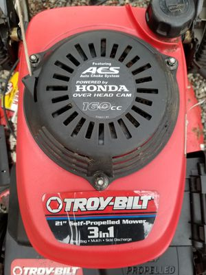 Honda engine mower self propelled for Sale in Tukwila, WA