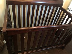 Crib with mattress and changing table for Sale in Long Beach, CA