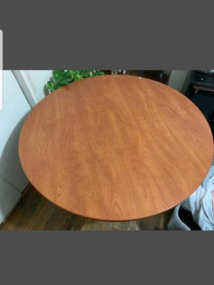 Round dining table for Sale in Baldwin, NY