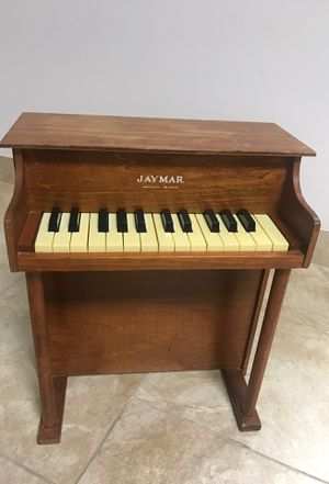 Toy piano for Sale in Chicago, IL