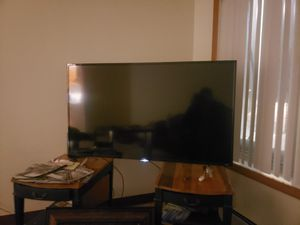 "65"" TCL roku tv almost new for Sale in Fairfield, CA"