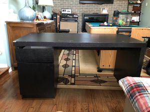 Free Desk for Sale in Chicago, IL