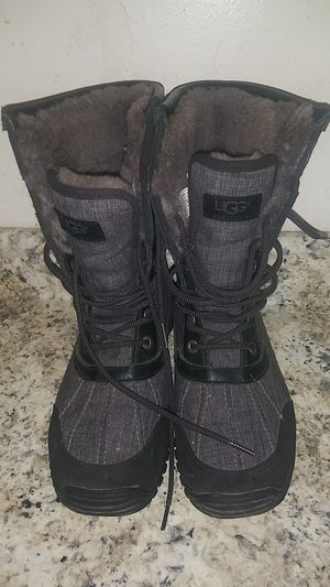 Womens Boots Snow Cold Winter. for Sale in Sudley Springs, VA