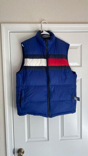 Tommy Hilfiger reversible vest (L) for Sale in Virginia Beach, VA