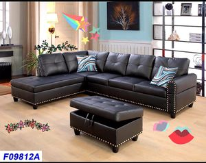 black sectional with ottoman in Nailhead Design ( new ) for Sale in Hayward, CA