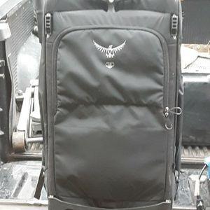 Osprey Ozone 2 Wheeler Luggage for Sale in Silverdale, WA