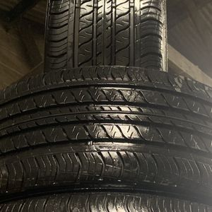 4 ) Used Tires 235/40/19 CONTINENTAL Procontact Rx for Sale in Gilroy, CA