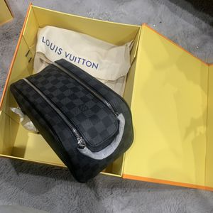 Louis Vuitton Bag toiletry New for Sale in Lynwood, CA